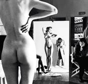 Autorretrato de Helmut Newton con esposa y modelos de Vogue (1980). Helmut Newton.